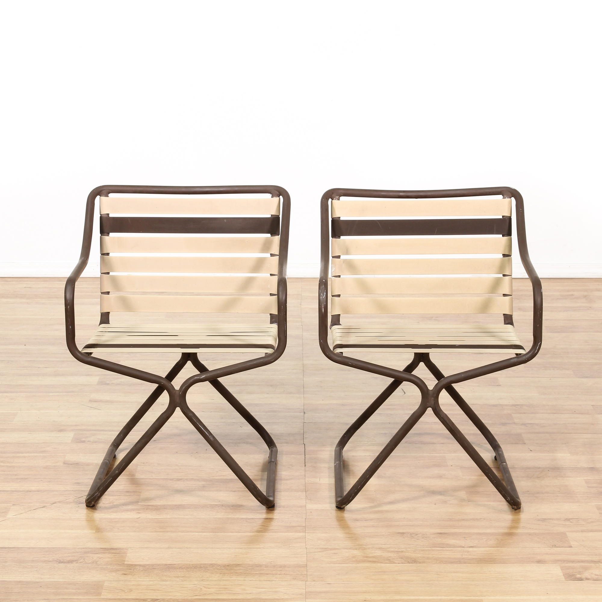 "Pair of Metal ""Brown Jordan"" Outdoor Patio Chairs ..."