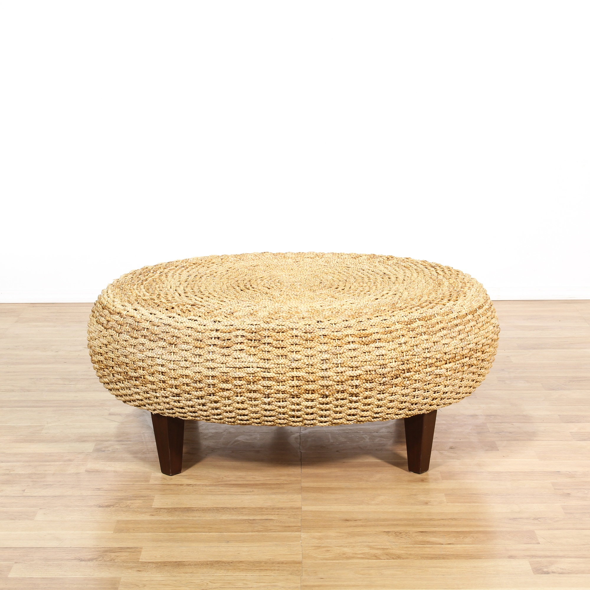 Large rope woven ottoman coffee table loveseat vintage for Round rope coffee table