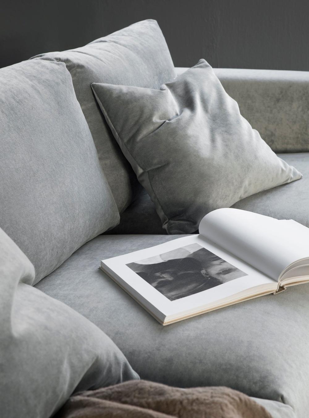 Bemz cover for Vimle 3 seater sofa, fabric: Malmen Velvet Zinc Grey. Bemz cushion cover, fabric: Malmen Velvet Zinc Grey. Styled by Pella Hedeby. Photographer Sara Medina Lind.