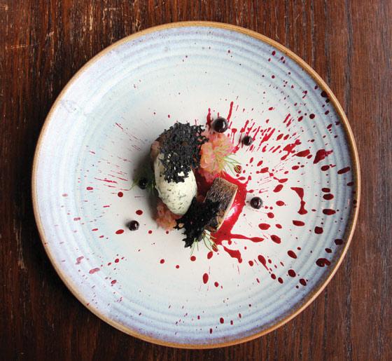 stark mackerel-blackcurrant-creme-fraiche