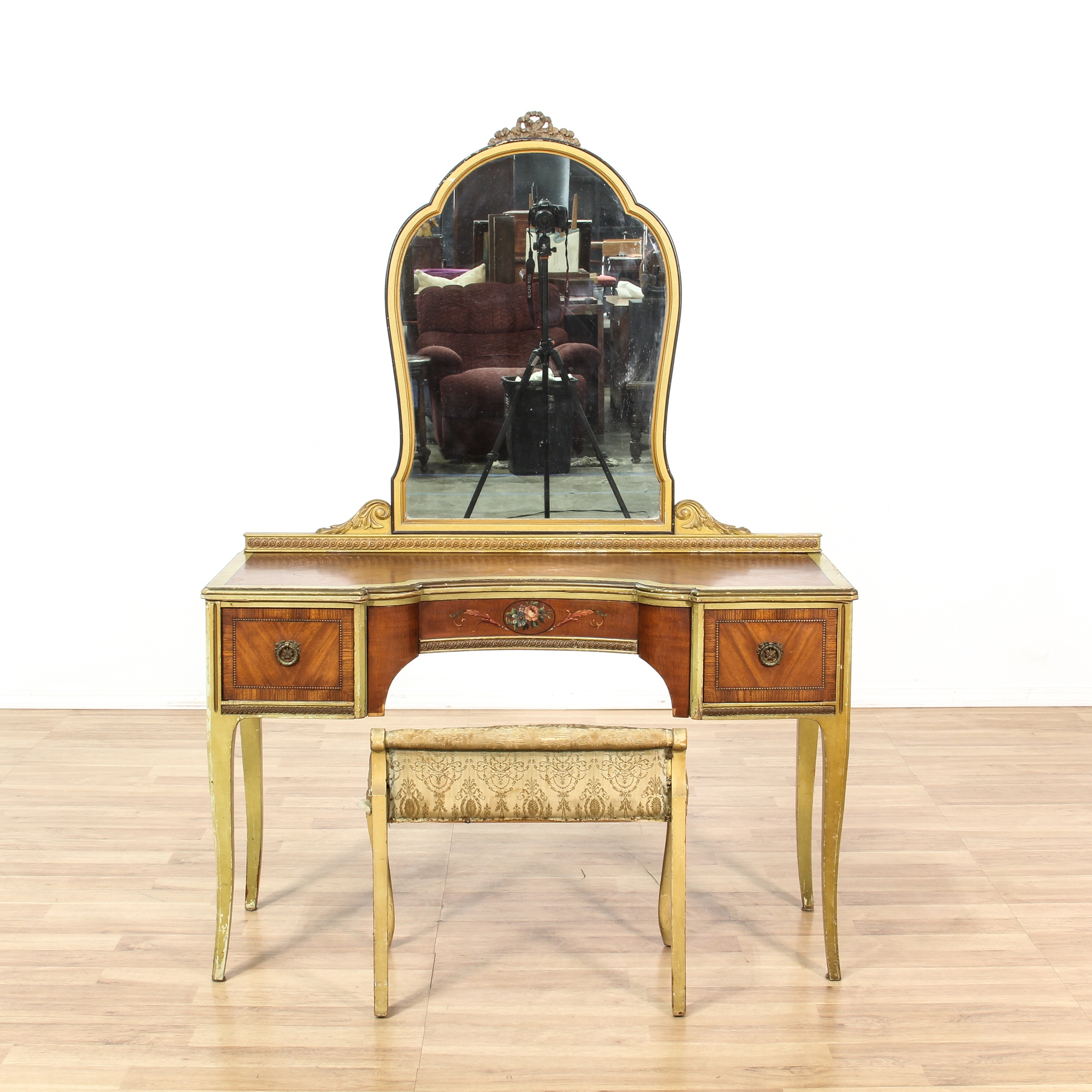 dating paine furniture Twenties furniture and home furnishings including range of clocks, solid oak roll top desk, player piano, full size wind up phonograph, chemical closet, queen anne.