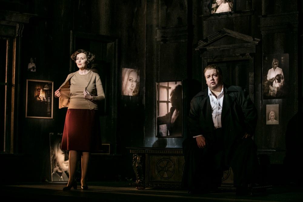 Ulrika Tenstam (Brigitta) och Marcus Jupither (Frank)