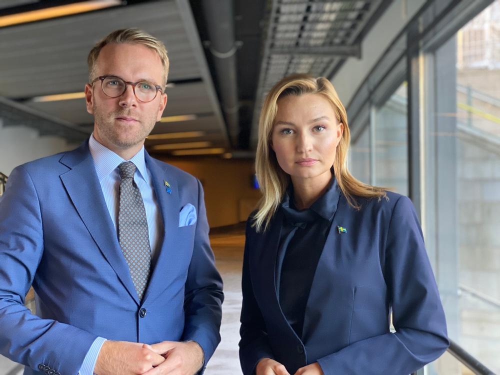 Kristdemokraternas rättspolitiske talesperson Andreas Carlson och partiledare Ebba Busch