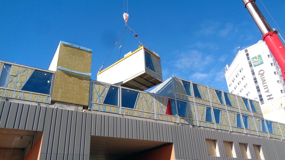 Montage av 205 hotellmoduler från Isolamin, Arlandastad.