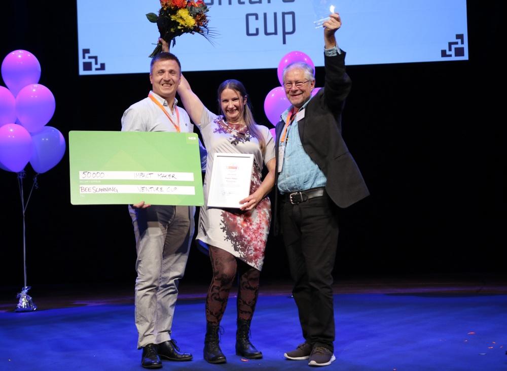 Teamet bakom BeeScanning, vinnarna av priset Impact Maker 2018. Foto: Victor Ackerheim