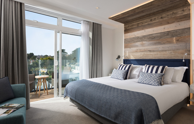 room-327-bed-and-terrace-with-styling