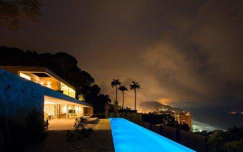 Luxury-Villa-in-Brazil-by-Studio-Arthur-Casas-10-975x613