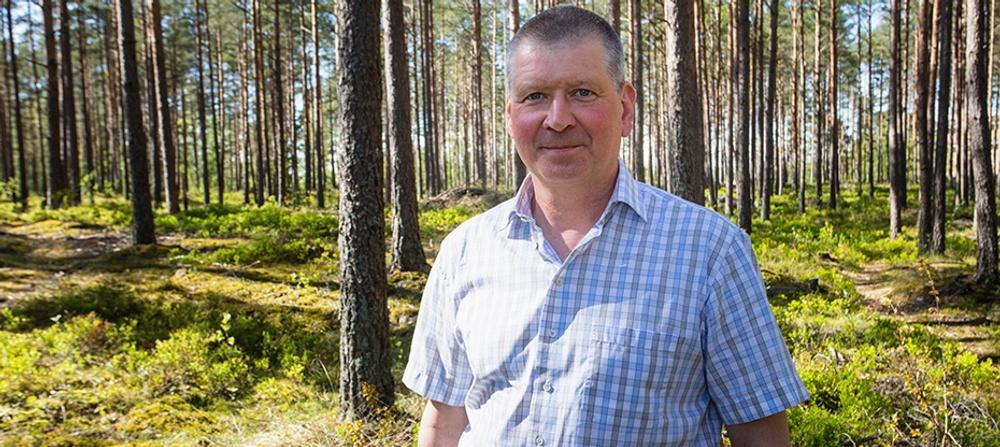 Lars Atterfors är en av grundarna till CC100 som vill effektivisera byggprocesser med sina lågenergiväggar i trä. Foto: Paper Province