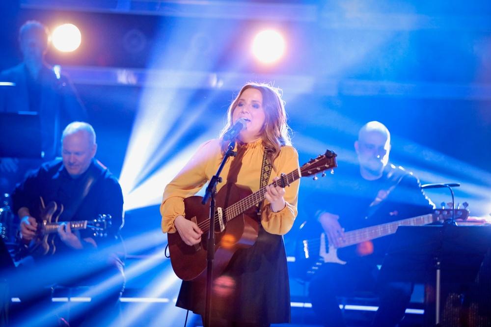 Amand Örtenhag på scen i populära tv-programmet Bingolotto. Foto:  Johan Carlén, Folkspel