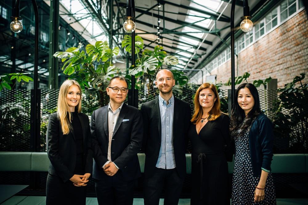 Shareholder team: Alexandra Kulldorff, vd Eric Zhang, Markus Holmberg, Karin Ebbinghaus (Almi Invest) och Hongxia Li Karlsson