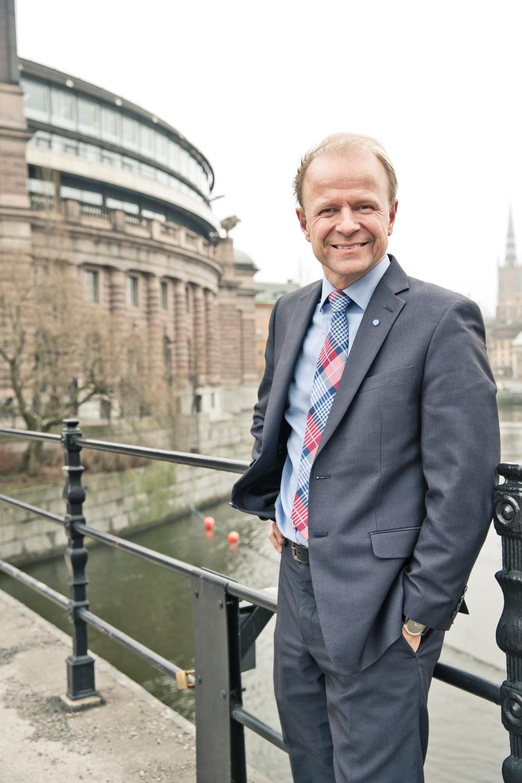 Mikael Oscarsson, försvarspolitisk talesperson