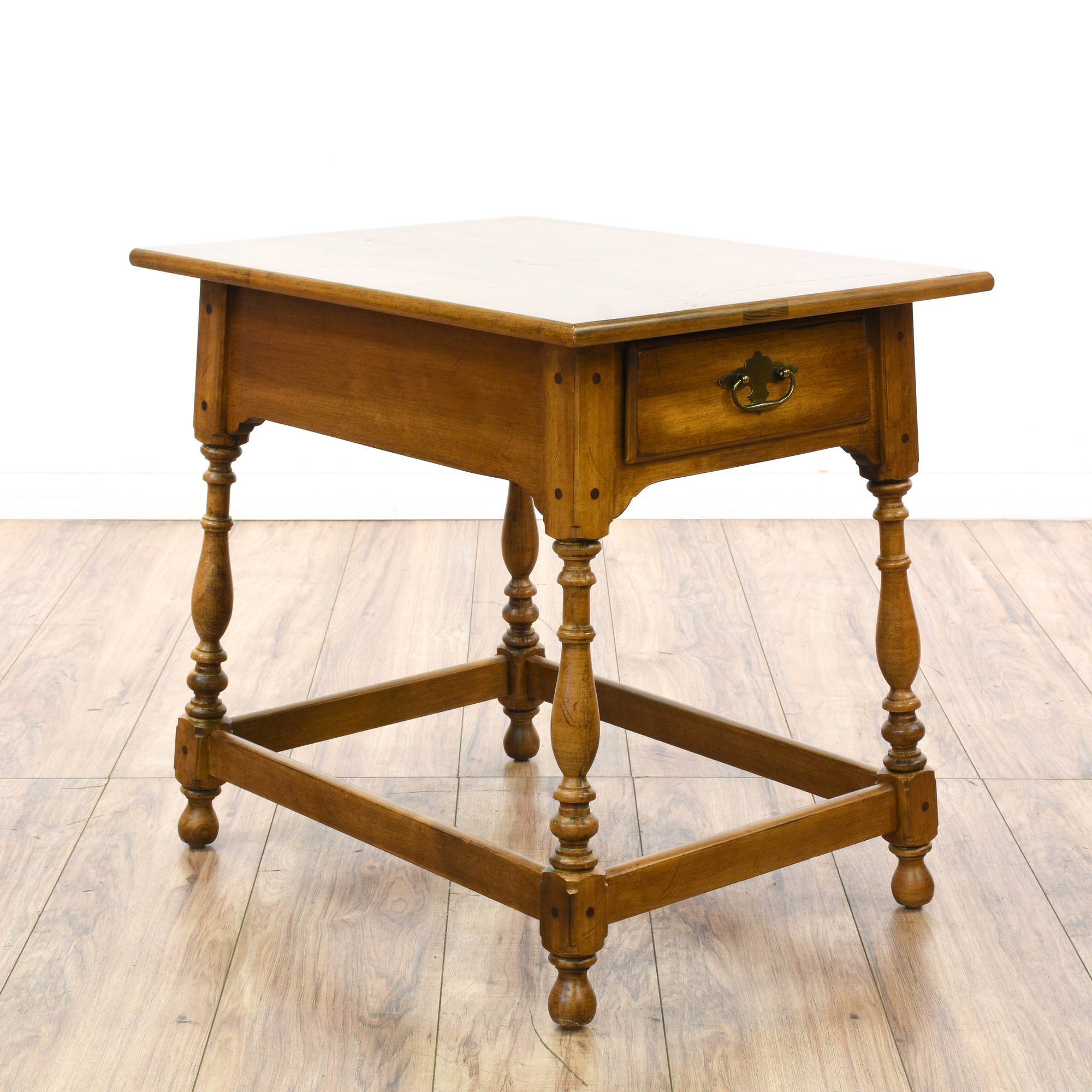 """""""Ethan Allen"""" Carved End Table w Drawer"""