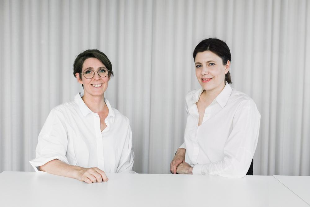Josefine Engström, ordförande i Svenska Tecknare och verksamhetsledare Sandra Nolgren. Foto: Anneli Nygårds.