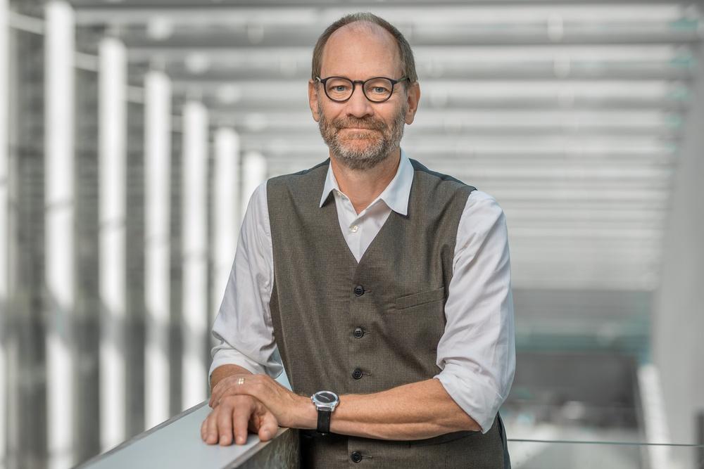 Biträdande riksbibliotekarie Lars Ilshammar är glad över avtalet med Bildupphovsrätt. Foto: Jann Lipka