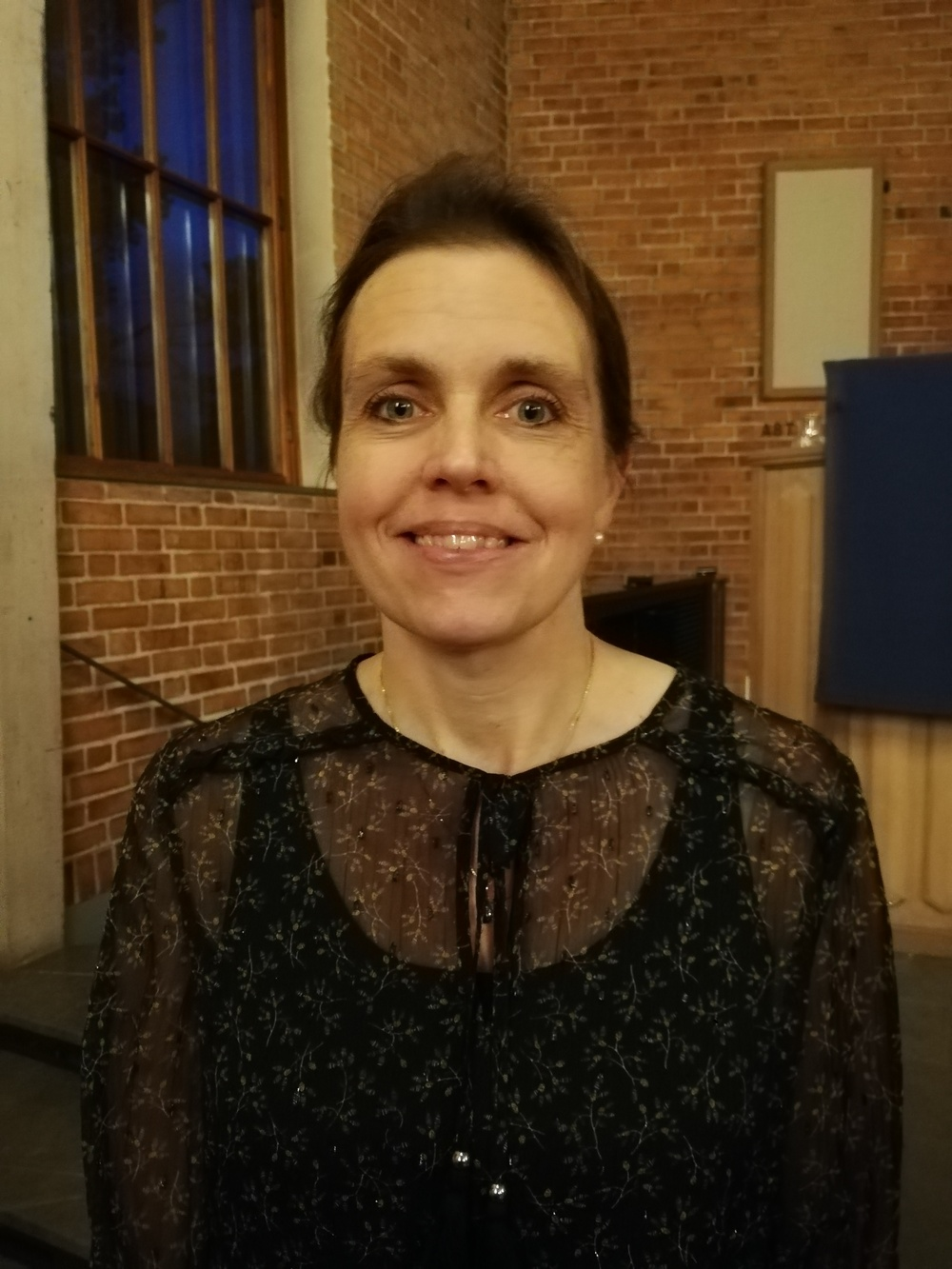 Lisa Arvidsson som tilldelas Deverthska Kulturstiftelsens stipendium 2019.