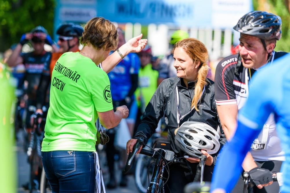 Vätternrundan stärker säkerheten för funktionärerna inför årets Cykelvecka. De funktionärer som tidigare har fungerat som så kallade flaggvakter, flyttas nu från korsningar och rondeller.