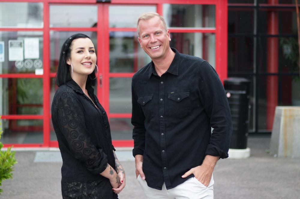 Moa Nordin, verksamhetsledare på Landskrona Dansstudio och Robin Berkhuizen, VD på Emrahus.