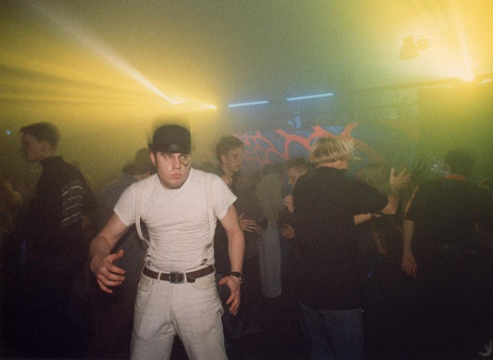 Arkivbild ur utställningen: Rejv i Stockholm 1993. Foto: Denny Calvo