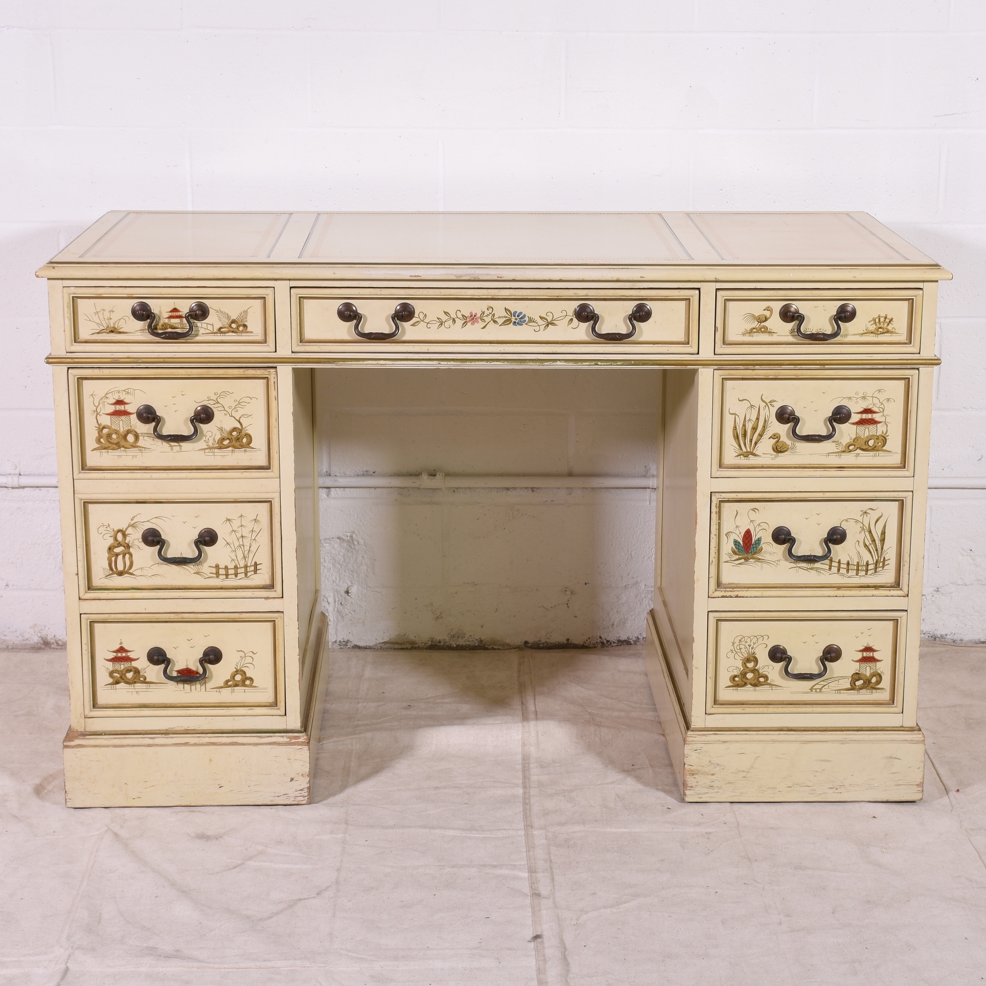 Sligh lowry asian style french provincial desk for Oriental style desk