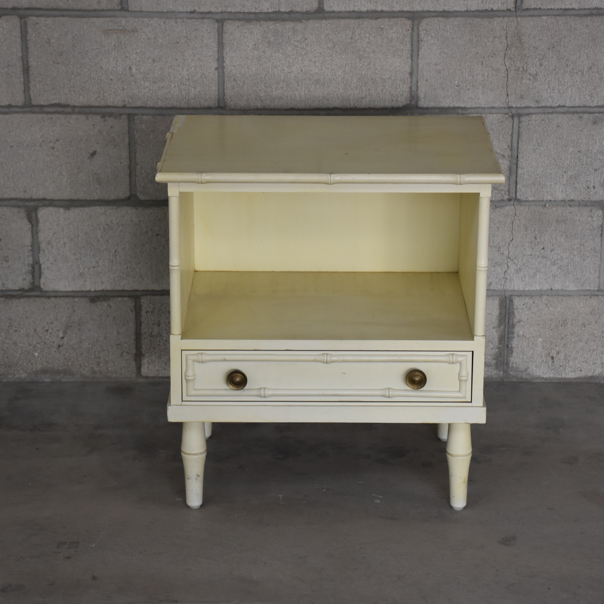 asian style shabby chic nightstand loveseat vintage. Black Bedroom Furniture Sets. Home Design Ideas