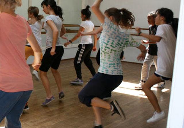 Shawl-Anderson Hip Hop Dance Intensive