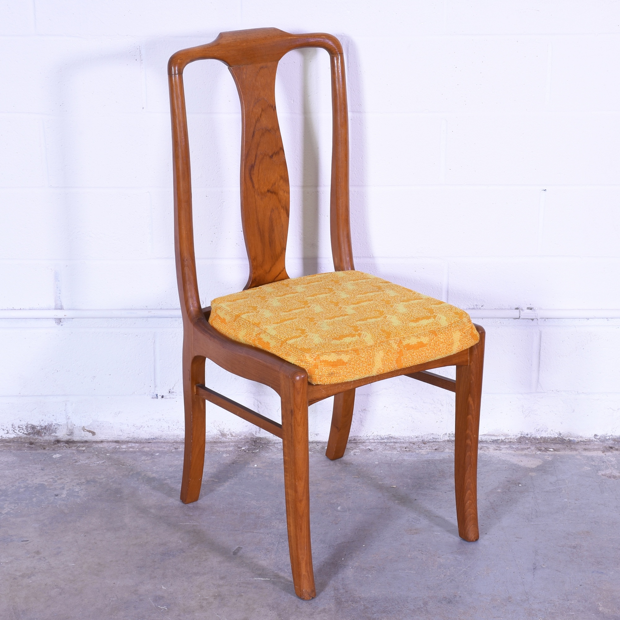 Set of 6 Retro Dining Chairs w Yellow Cushions Loveseat  : convertw2000amph2000ampfitcropamprotateexif from www.loveseat.com size 2000 x 2000 jpeg 352kB