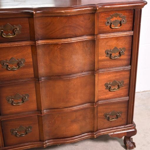 """""""Kling"""" Solid Wood Vintage 8-Drawer Dresser"""