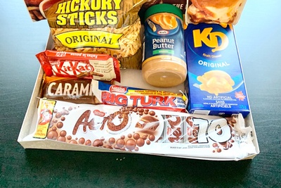 Canadian Snacks / Food Box Photo 3