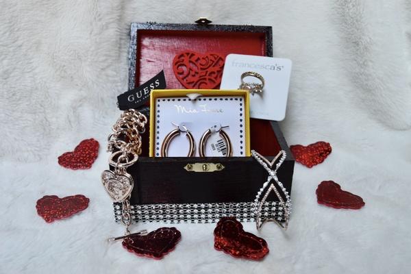 FashionableTreasure Box Photo 1