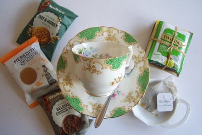The Petite Vintage Teatime Box Photo 2