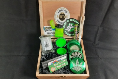 Loaded n' Rollin' - All the Essentials Smoking Accessory Subscription Gift Set Photo 1