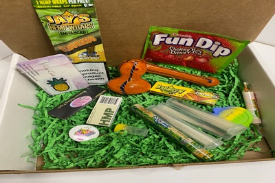 The Stoner Girl Box Photo 1