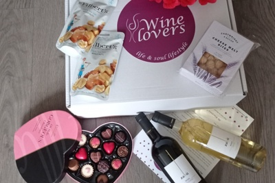 Wine Lovers Subscription Box Photo 1
