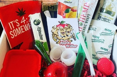 CloudNineBoxes.com | Monthly Boxes & Accessories Photo 3