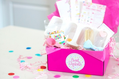 Kid's Baking & Decorating Box Photo 1