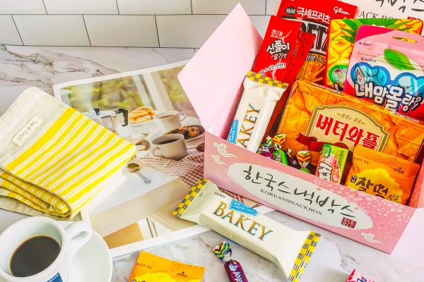 Korean Snack Box Photo 1