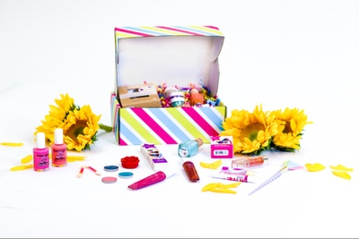 Quarterly Kids Clean Makeup Box (every 3 months) Photo 3