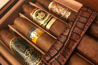 Luxury Cigar Club Photo 3