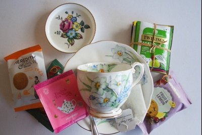 The Petite Vintage Teatime Box Photo 3