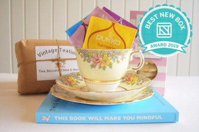 The Classic Vintage Teatime Box - Eat, Drink, Read & Keep Photo 1
