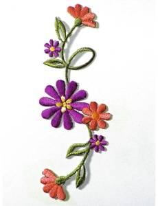 Applikation Blumenranke groß lila/terrakotta