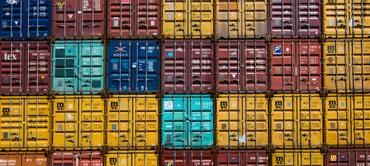 Data Warehouse vs. Database: 7 Key Differences