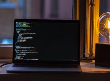 ローコード vs. ノーコード: その違いは?