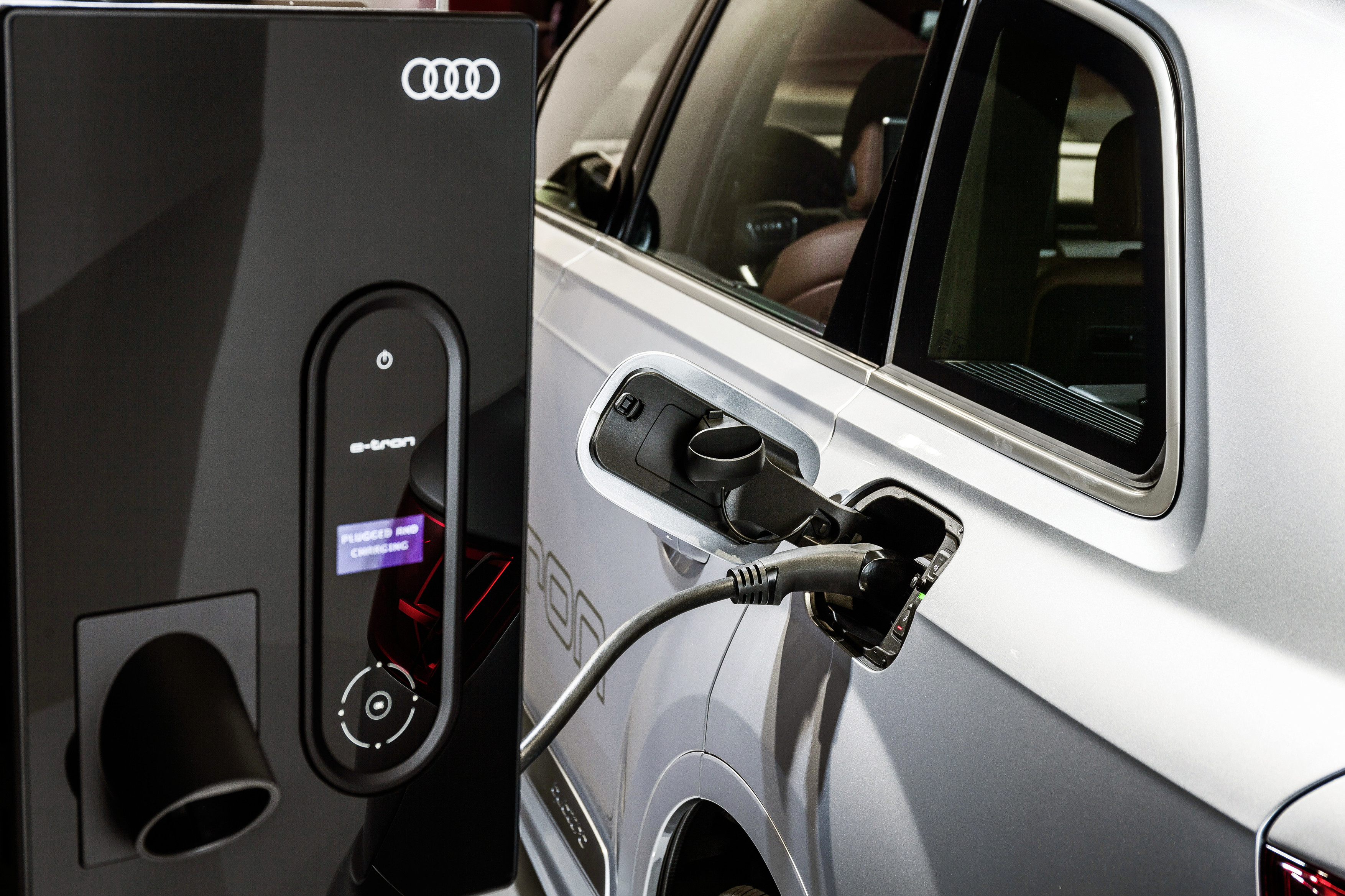 How Much Do Electric Cars Really Cost to Own? | Drive com au