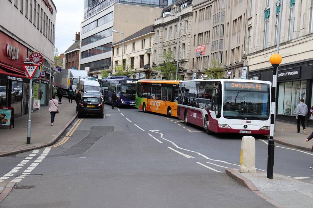 Bussar trängs och framkomligheten är dålig i centrum.