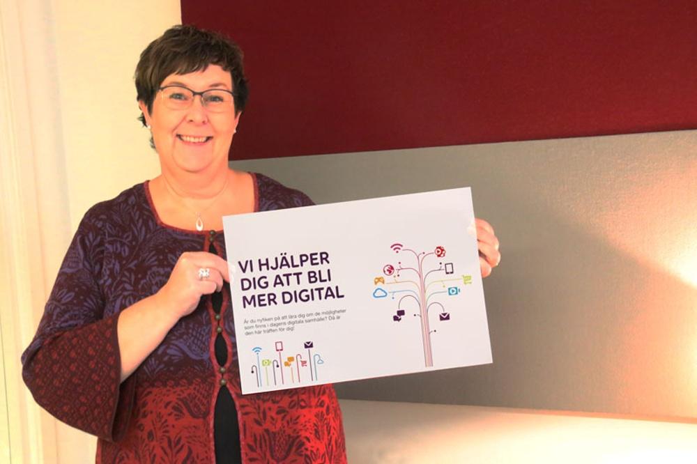 """Projektledare Annelie Lindberg bjuder in till """"Mer Digital"""" - alla seniorer 65 år eller äldre är välkomna!"""