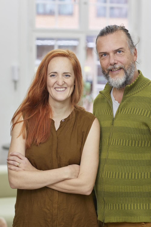 Författarporträtt: Ina Hildeman och Kenneth Joelsson  Foto: Åsa Siller