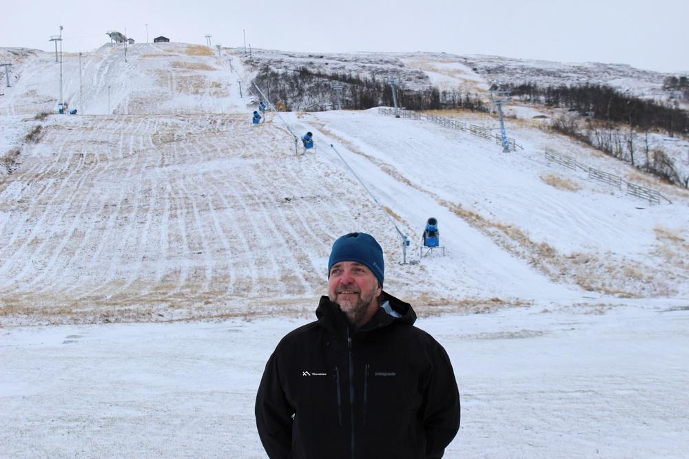 Anläggningschef Peter Jonasson på nysnön i Tänndalen