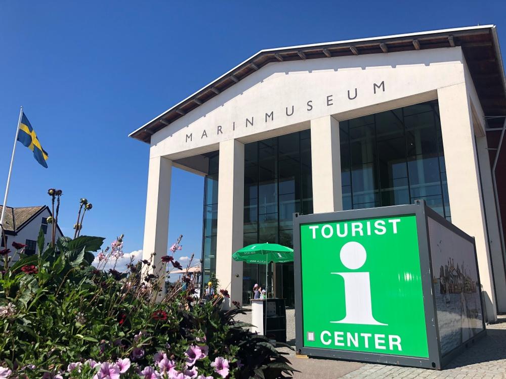 Visit Karlskrona offers tourist information at Stumholmen. Visit Karlskrona erbjuder turistinformation på Stumholmen.
