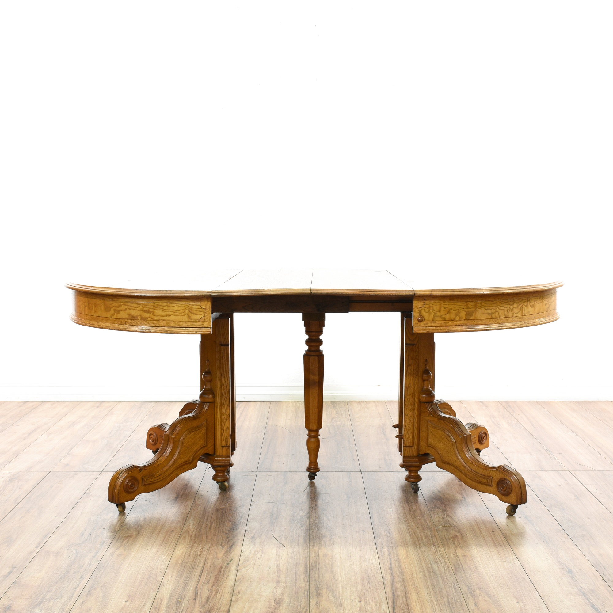 Round light oak carved dining table w 2 leaves loveseat for Round dining table w leaf